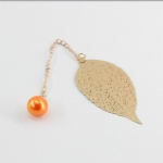metal gold leaves bookmark with pearl pendant simple stlye